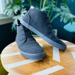 Toms Black Canvas Carlo Mid Rise Sneakers Sz 13